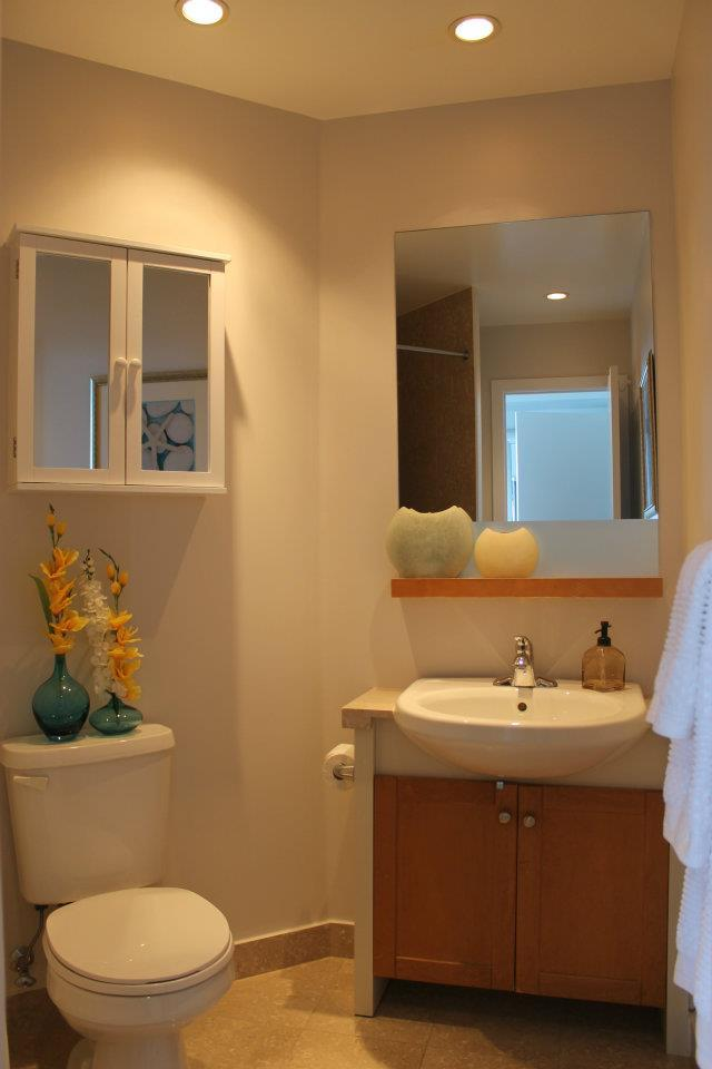 Toronto Home Staging Services - Bathroom - 1a