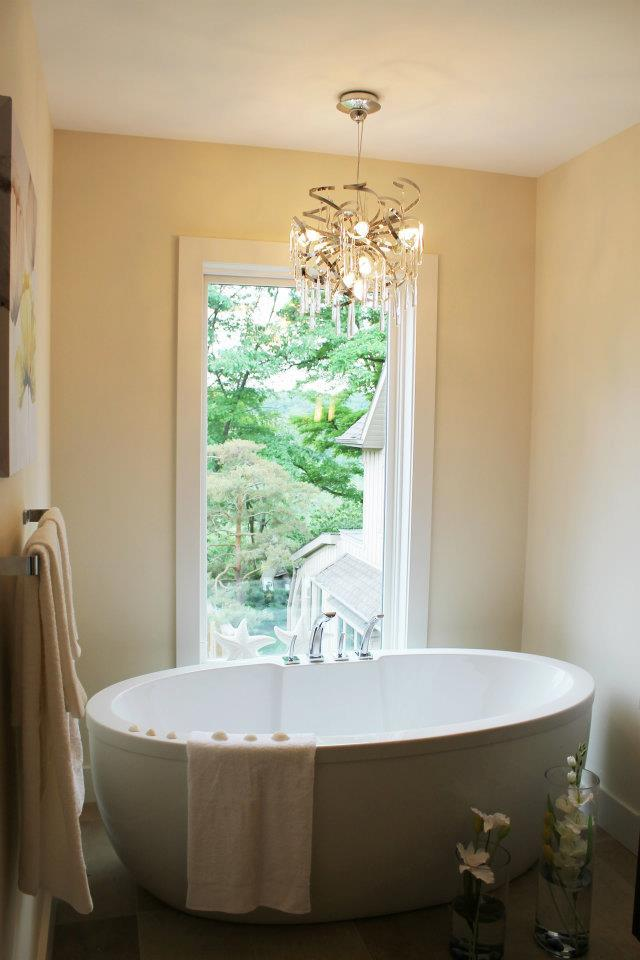 Toronto Home Staging Services - Bathroom - 13a