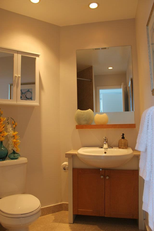 Toronto Home Staging Services - Bathroom - 2a