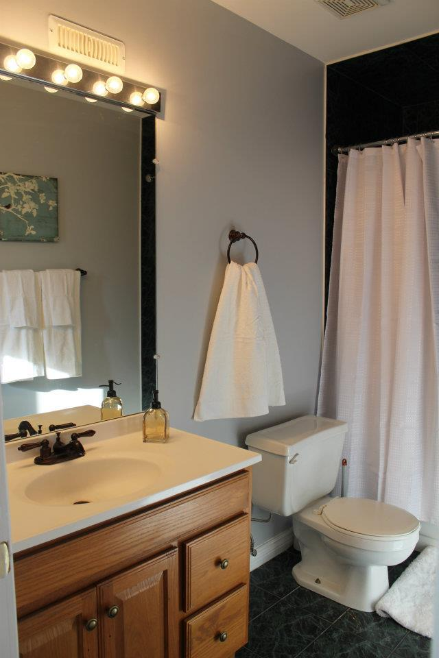 Toronto Home Staging Services - Bathroom - 4a