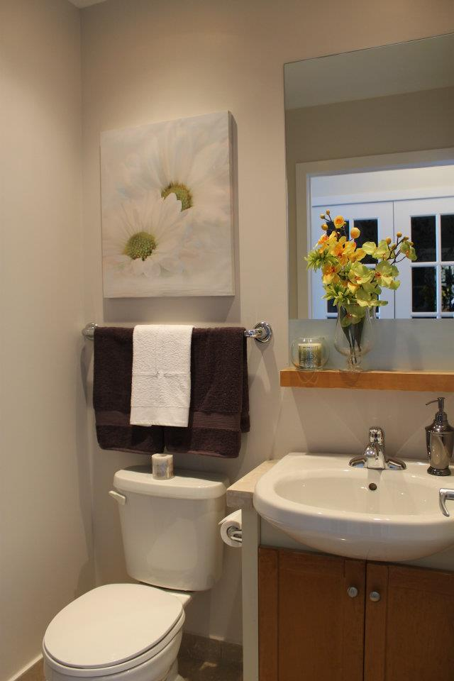 Toronto Home Staging Services - Bathroom - 5a