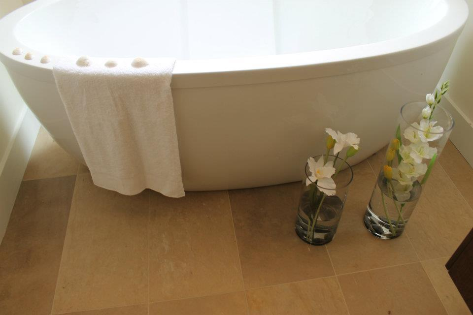 Toronto Home Staging Services - Bathroom - 6a