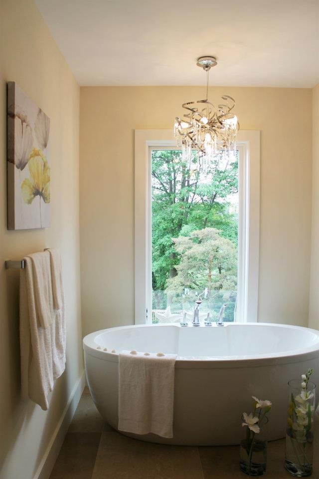 Toronto Home Staging Services - Bathroom - 8a