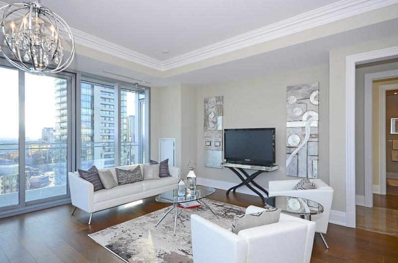 Four Seasons Luxury Condo Staging